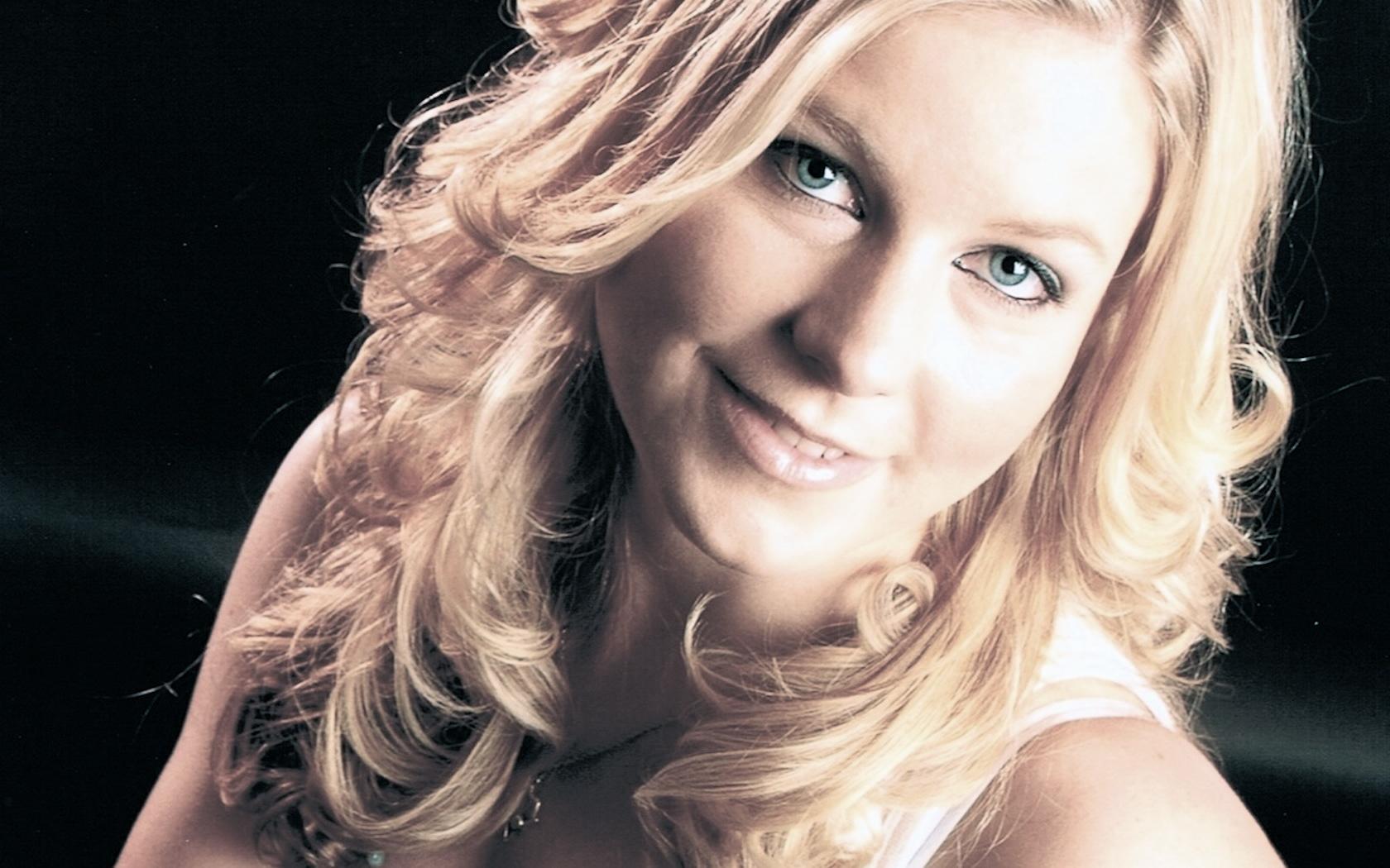 Amanda Doig
