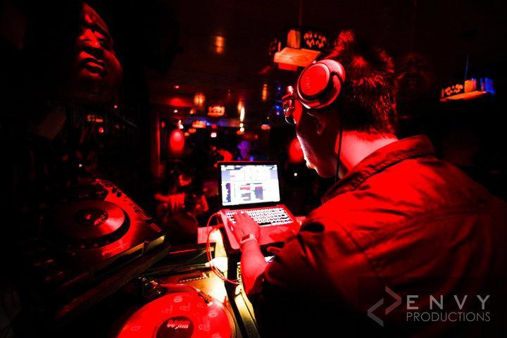 DJ SHAKEZ