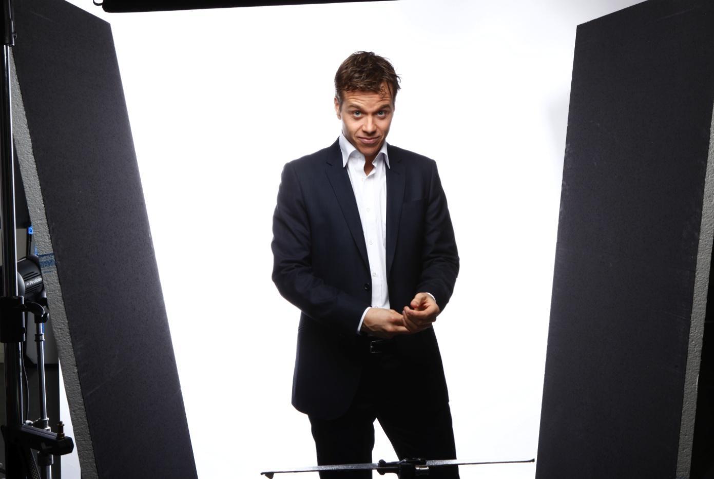 Lars Oostveen - Presenter Producer   about.me