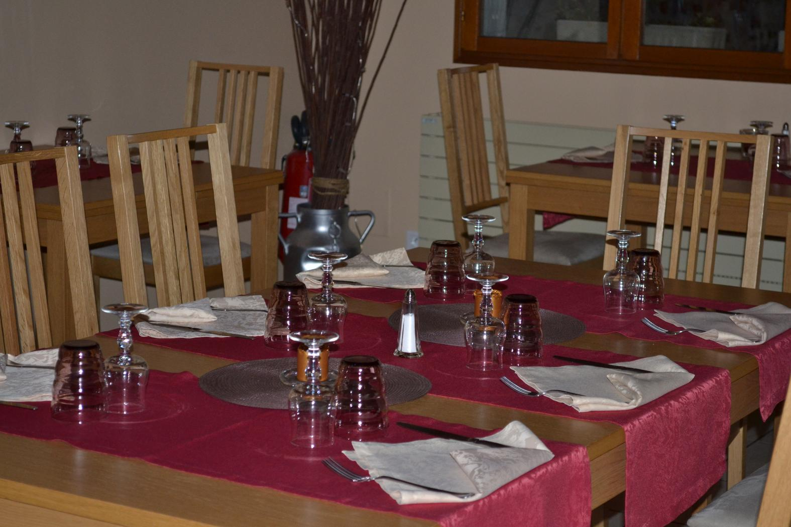 le chalet restaurant votre pause d 233 tente 224 chartrettes about me