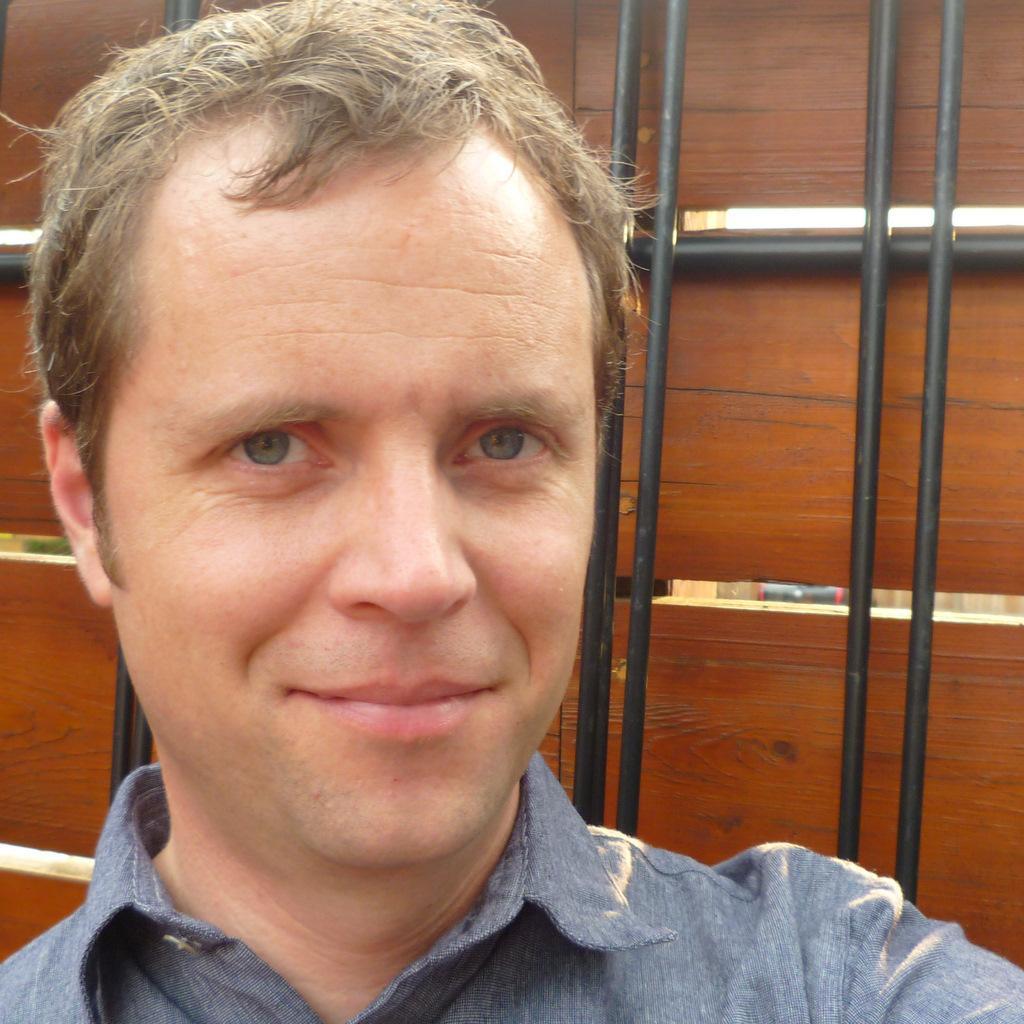 Simon Hogg