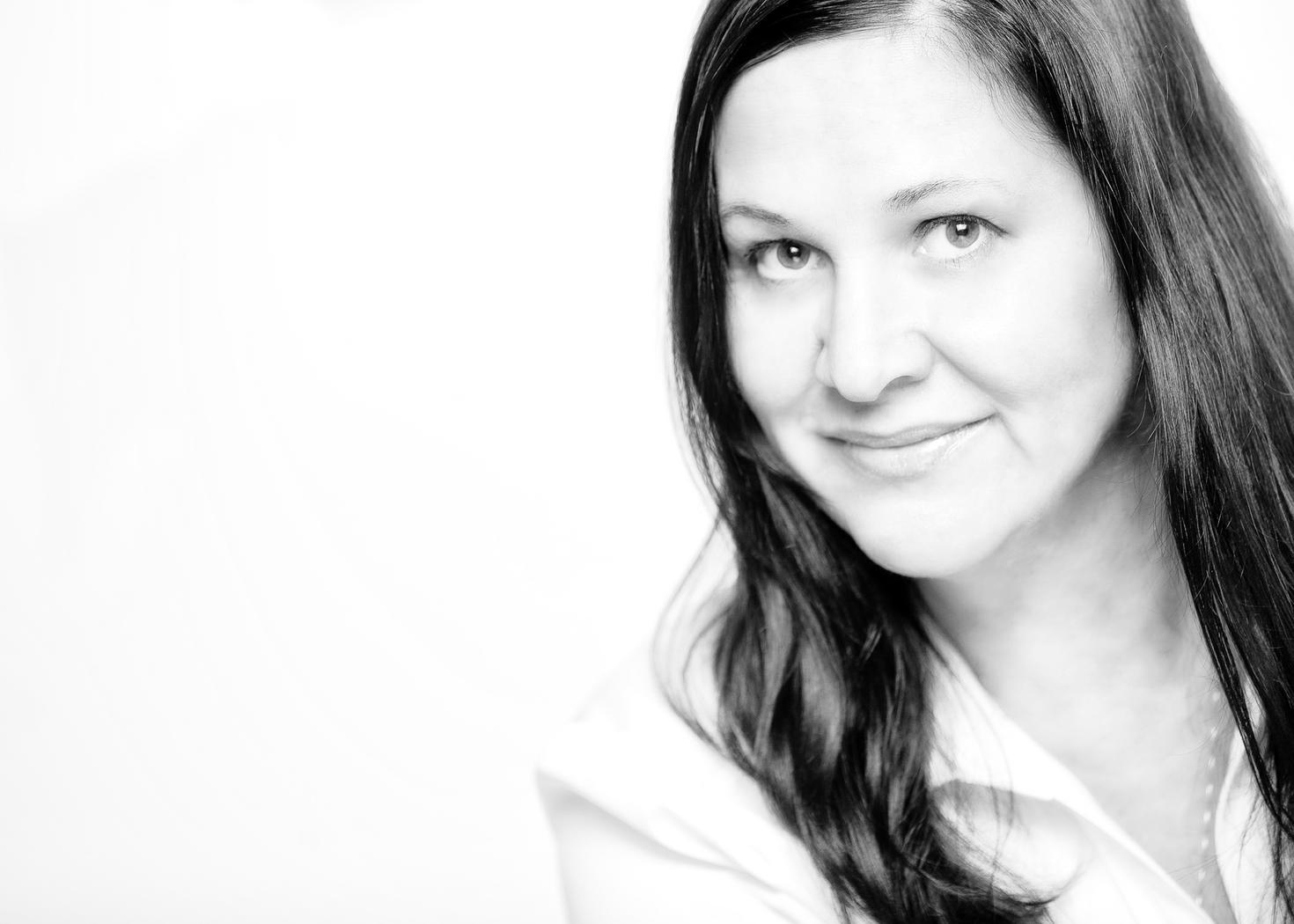 Tina Nicolai