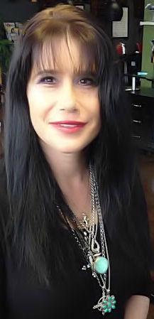 Ariana Clausen - Vélez