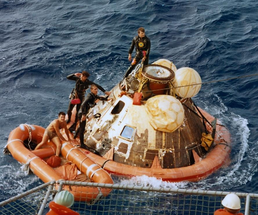apollo 11 splashdown location - photo #5
