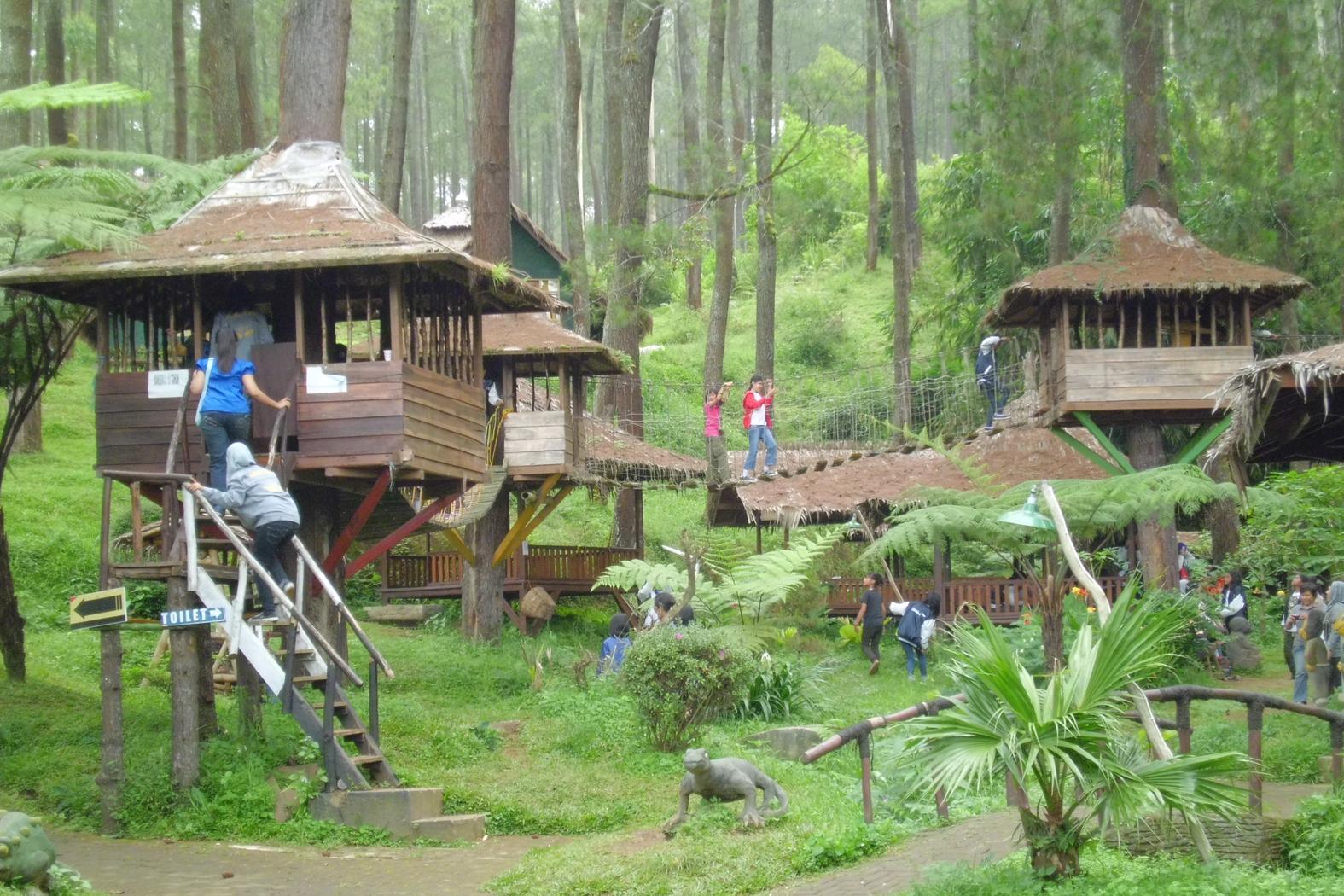 rumah pohon bekasi 10 Tempat Rekreasi Edukatif Terbaik di Jakarta dan Sekitarnya namenoble.com web hosting terbaik